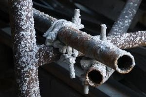 article-new-thumbnail_ehow_images_a07_ft_sg_heat-frozen-pipes-crawl-space-800x800